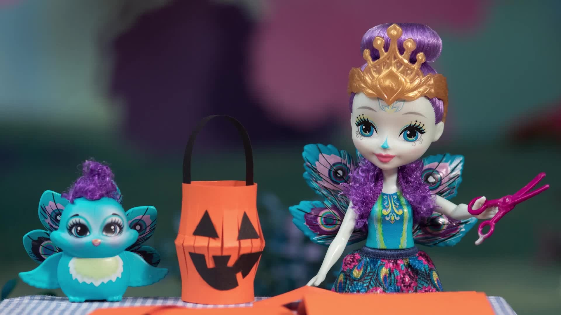 The Enchantimals Decorate for Halloween Video Image